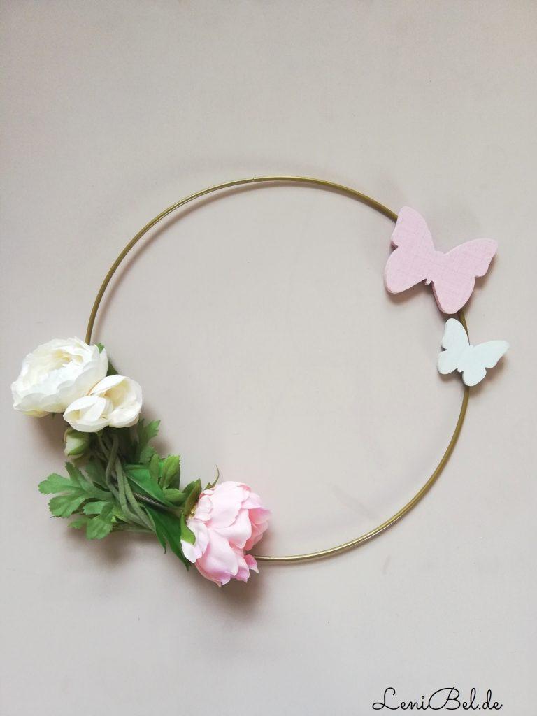 Wand Deko Blüten Ring