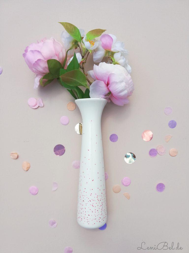 Blumenvase bemalen