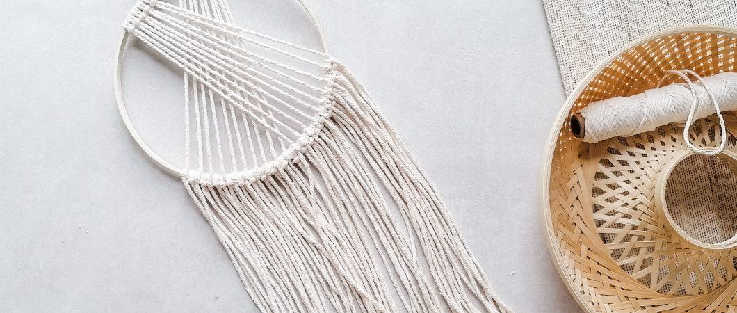 Makramee Wandbehang im Holzring – einfache Anleitung für Anfänger